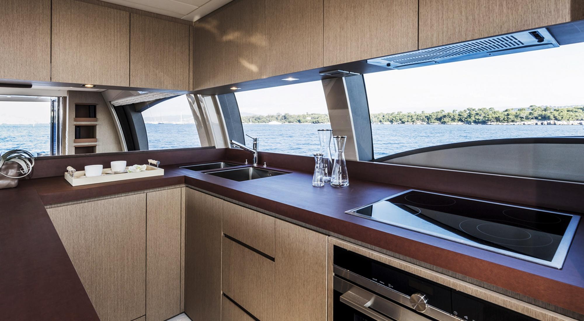 Ferretti Yacht